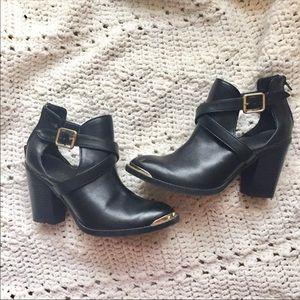Rock & Republic chunky heel booties